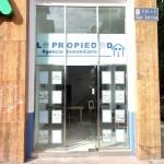 Fachada Inmobiliaria La Propiedad